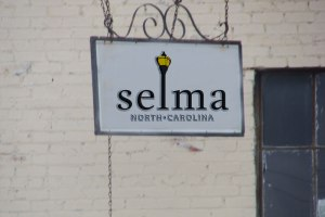 Selma Mockup signs